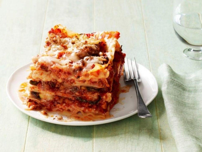 Classic Lasagna Dinner