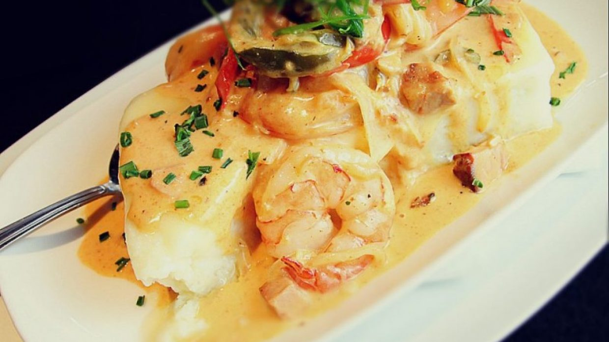 Shrimp & Grits Family Meal